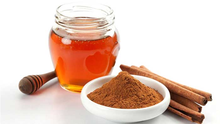 Cinnamon & Honey to Treat Blackheads
