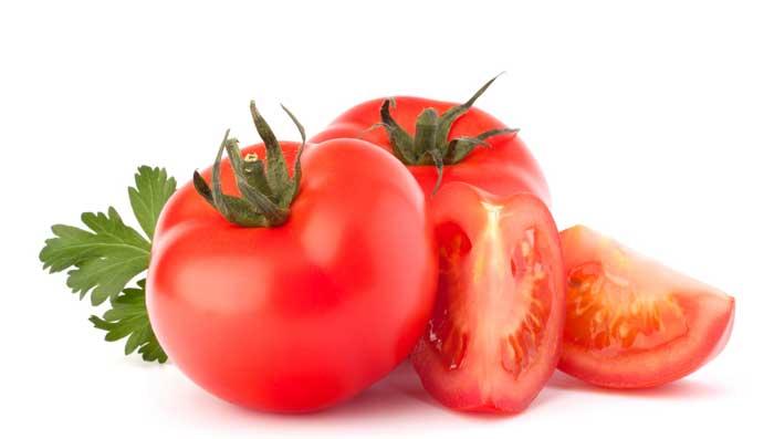 How to Get White Skin Using Tomato