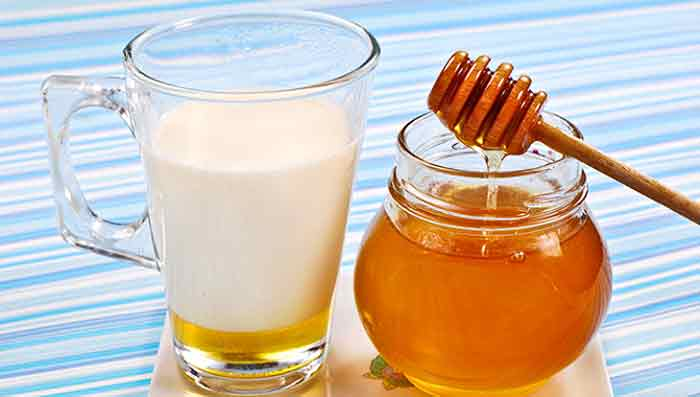 Honey & Milk for Blackheads