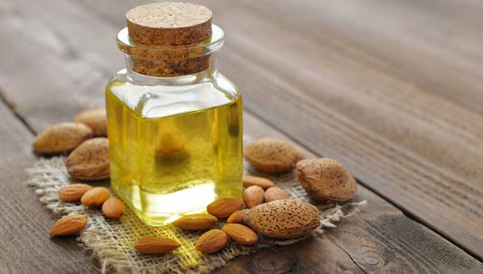 Almond oil and castor oil for skin whitening face mask