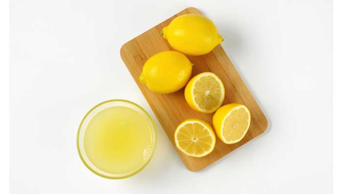 Lemon and castor oil for skin whitening face mask