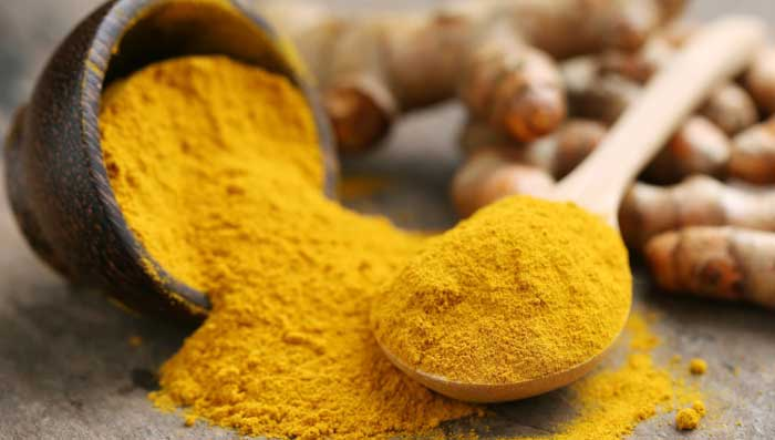 Turmeric and castor oil for skin whitening face mask