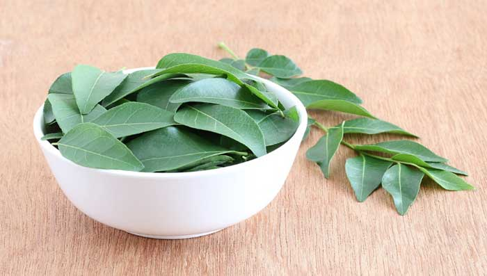 Curry Leaves & Ginger Mask