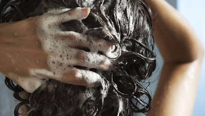 How to Choose The Right Shampoo For Your Hair