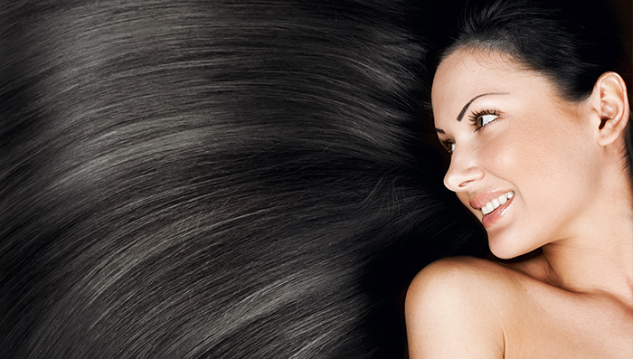 Top 5 Ways to Prevent Dandruff This Monsoon