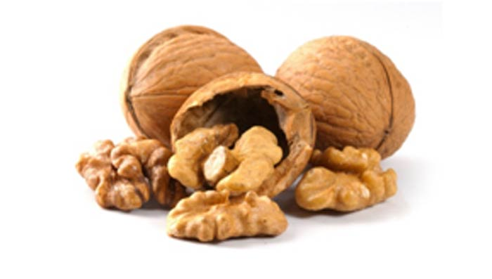 Have Walnuts to Prevent Dandruff