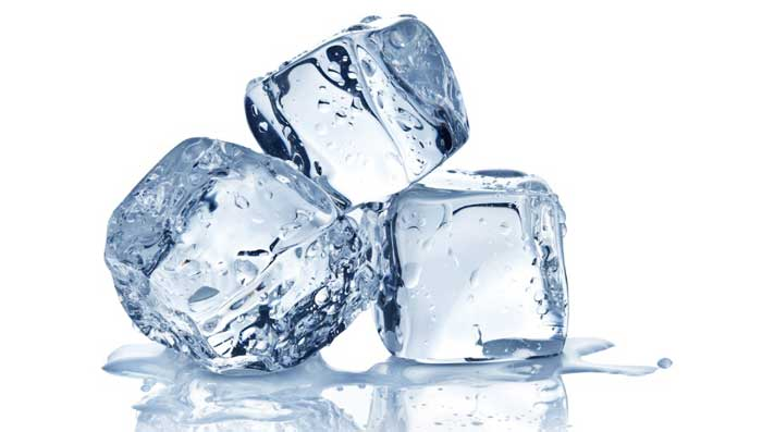 Benefits Of Rubbing Ice Cubes On Face