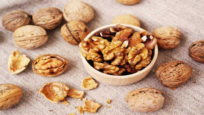 Walnut Benefits For Skin And Home Remedies