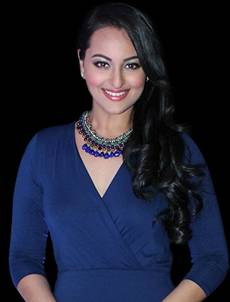 Sonakshi Sinha hair style with long hair