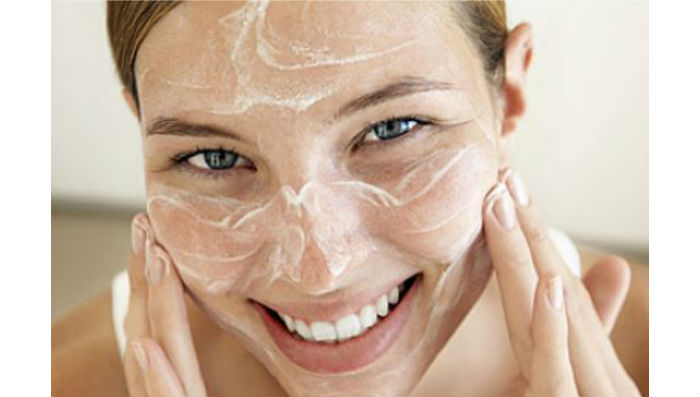 5 Homemade Face Scrub for Glowing Skin